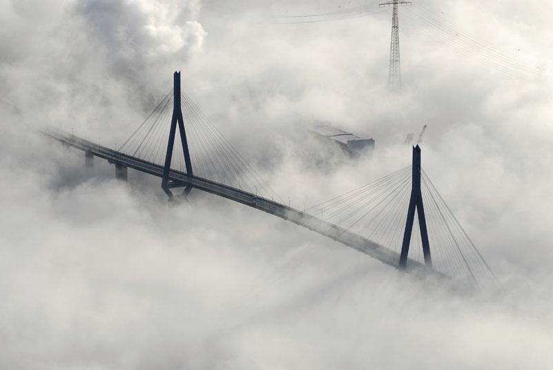 4415 / Hamburg im Nebel